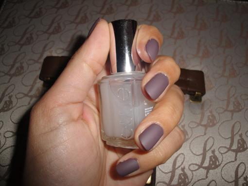 Essie top coat mat - Poulette Blog